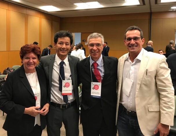 Dra. Maria Eduina da Silveira, Dr. Luiz Carlos Ishida, Dr. Luiz Carlos Souza Manganello e Dr. Darceny Zanetta Barbosa na V Jornada de Cirurgia Ortognática e Ortodontia